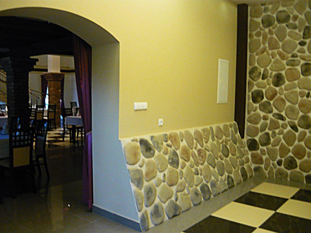 Hol recepcyjny sali bankietowej w Strzebielinku